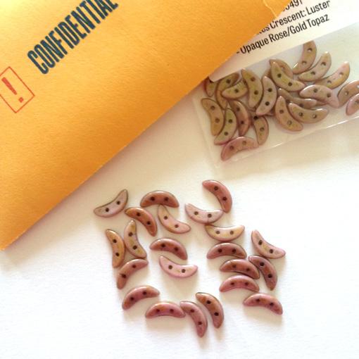 Crescents beads