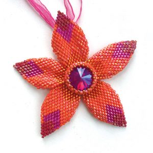 Star Flower Pendant by Chloe Menage beading pattern