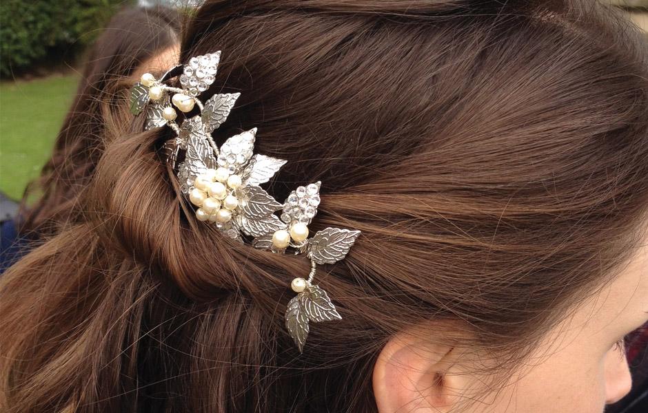 Sparkling crystal hair comb