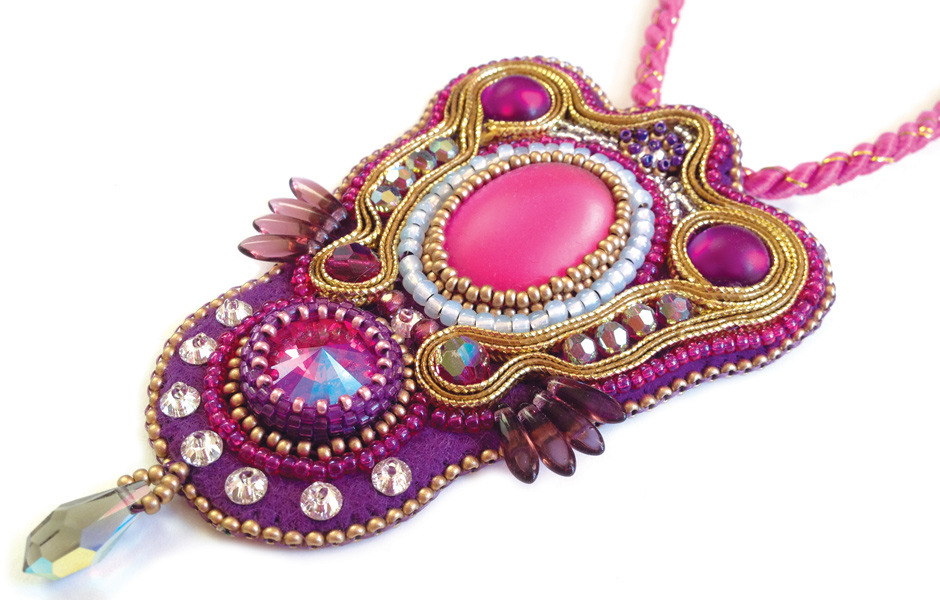 Sari Pendant bead embroidery workshop