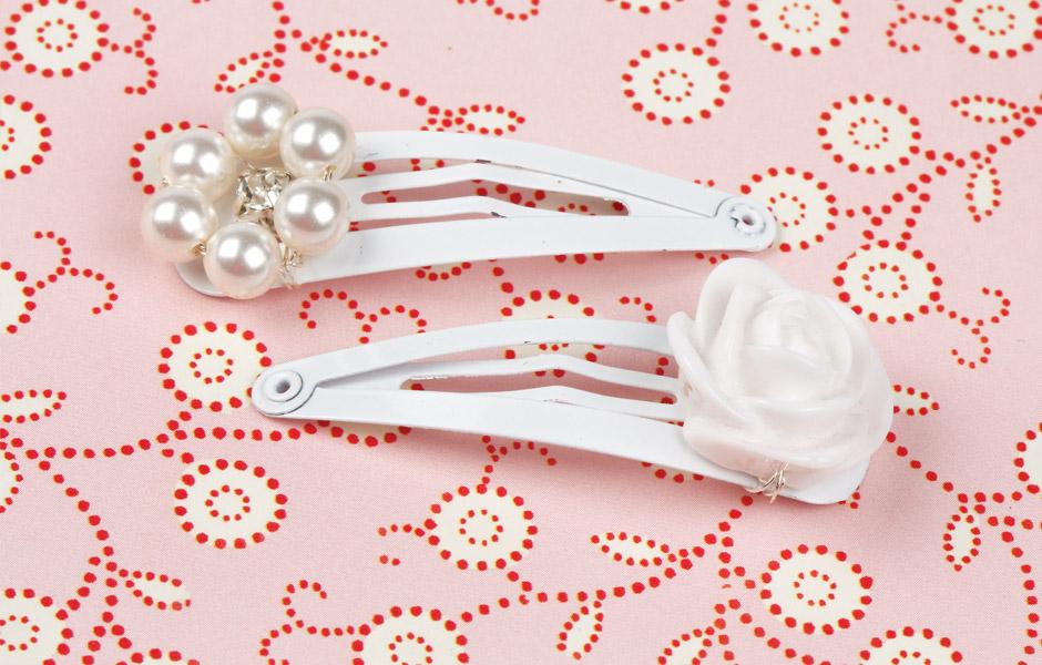 Chrissie's Wedding - baby bridesmaid's hair clip