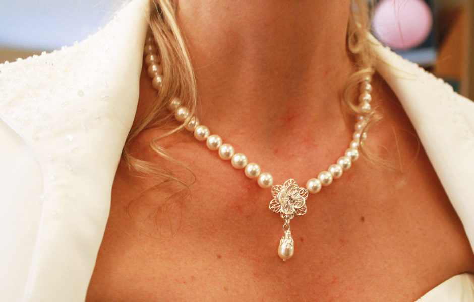 Kelly's wedding - necklace