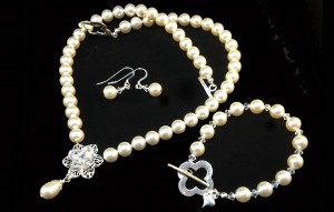 Crystal pearl bridal set