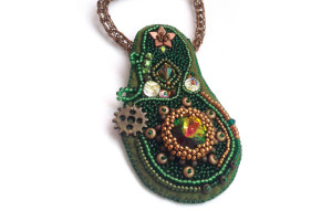 Dr Dillamond bead embroidery workshop