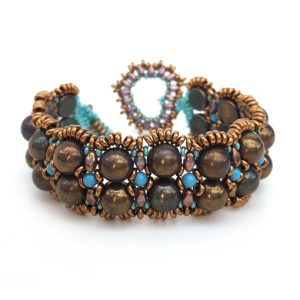 Amorini beading workshop with 2-hole Czech cabochon beads