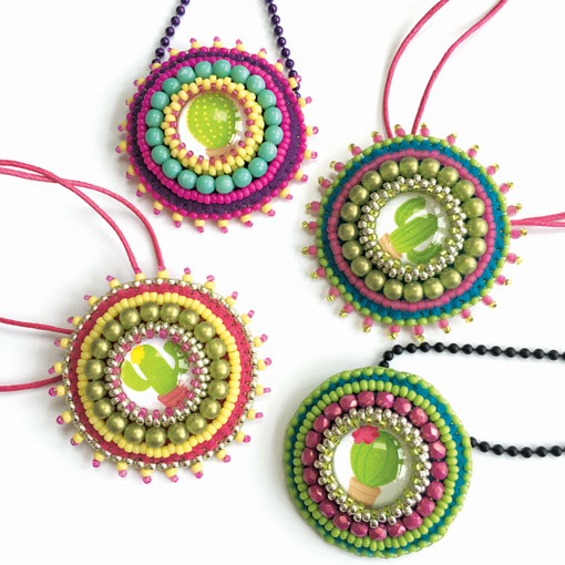 Cacti Fiesta bead embroidered pendants tutorial