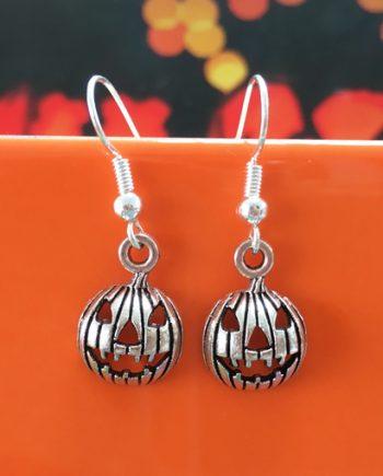 Jack-o-lantern pumpkin earrings for halloween - handmade jewellery by Chloe Menage