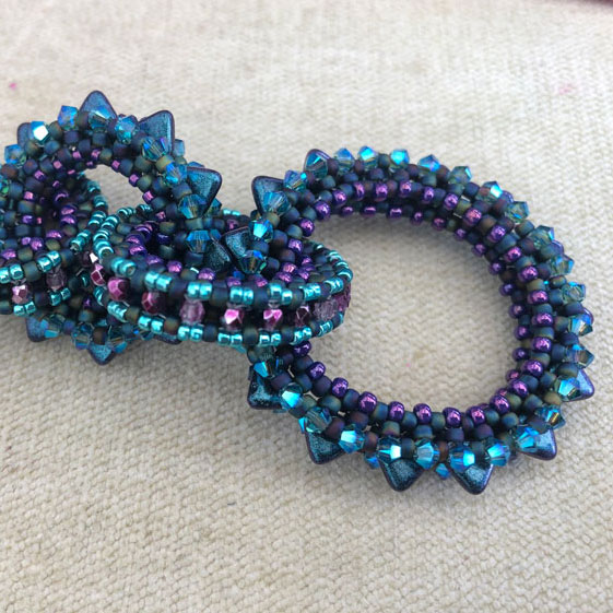 Cogs of Time Peacock colourway - virtual beading class