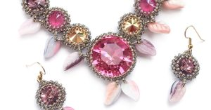 Autumn Treasures beading pattern with crystals and 1201 round stones