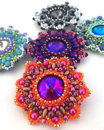 Aurora Jewels beaded pendant pattern by Chloe Menage