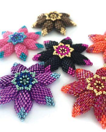 Jazzy flowers beading pattern by Chloe Menage